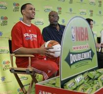 Brandon Roy and Bob Lanier during All Star Game 2008 festivities.jpg