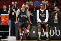 Brandon Roy has a laugh with Rudy Gay during Rookie Sophomore game 2008 practice.jpg