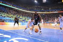 Rudy Fernandez dives for the loose ball during the Gold Medal game.jpg