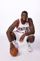 Greg Oden poses with the ball during Media Day 2008.jpg