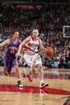 Steve Blake drives against Steve Nash.jpg