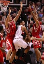 Brandon Roy tries to pass out of the double team inside.jpg