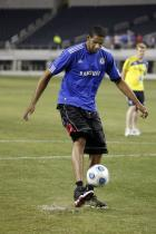 LaMarcus Aldridge practices some soccer moves.jpg