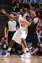 Greg Oden posts up Brook Lopez during team USA scrimmage.jpg