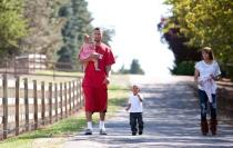 Brandon Roy walks with his family and fiancee.JPG