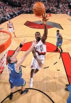 Greg Oden jump hook in the lane against the Timberwolves.JPG