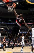 Greg Oden one handed dunk inside vs the Grizzlies.JPG