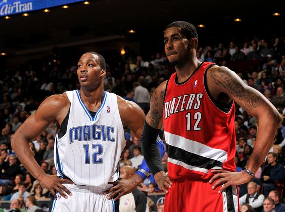 LaMarcus Aldridge stands next to Dwight Howard.JPG