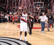 Martell Webster waves as he leaves the floor after the Blazers win.JPG