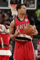 Brandon Roy handles the ball with a black shoulder protection sleeve.JPG