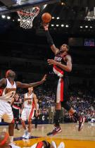 LaMarcus Aldridge drives in for a layup vs the Warriors inside.JPG