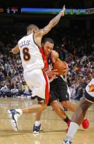 Brandon Roy bodies into Monta Ellis.JPG