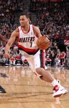 Brandon Roy drives inside in Rip City Arena.JPG