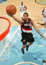 Andre Miller layup vs the Nuggets in a road Blazers jersey.JPG